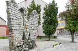 Denkmal für die Opfer des Faschismus in Ustrzyki Dolne