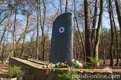 Denkmal RAF-Piloten auf Karsibor