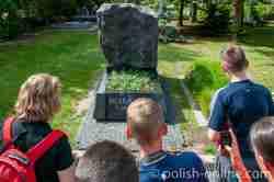 Letzte Ruhestätte von Jacek Kuroń Powązki-Friedhof in Warschau