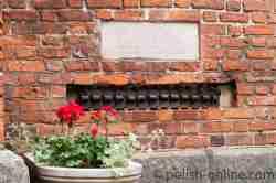 Goliath-Kette am Dom von Warschau