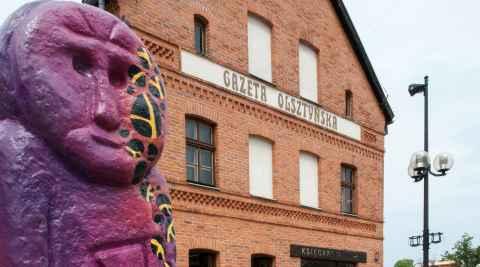 Haus der Allensteiner Zeitung (Gazeta Olsztyńska) neben dem Hohen Tor
