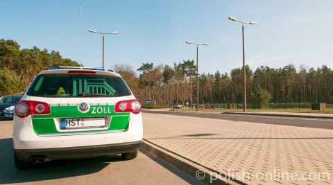 Dienstwagen des Zoll am Grenzübergang Ahlbeck / Swinemünde