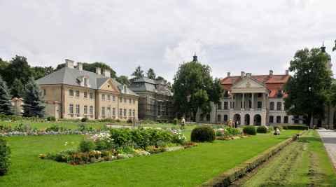 Schlossanlage in Kozłówka in Polen