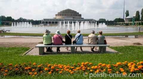 Jahrhunderthalle und Wasserbecken in Breslau