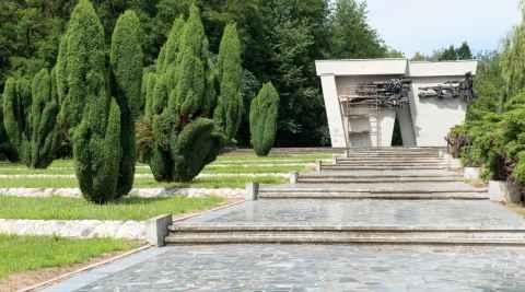 Ehrenmal für sowjetische Soldaten in Lamsdorf (Łambinowice)