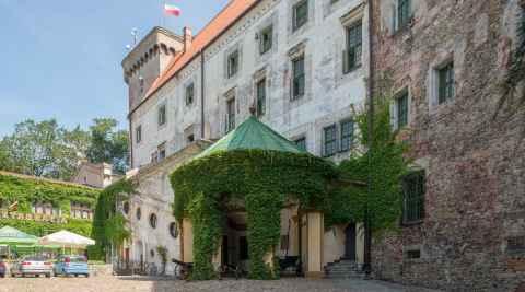 Schlosshof in Ottmachau (Otmuchów)