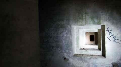 Schießstand in einem Bunker im Mauerwald in Masuren
