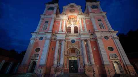 Basilika in Heilige Linde bei Nacht