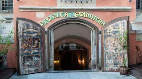 Eingang zum Schweidnitzer Keller im Rauthaus von Breslau (Wrocław)