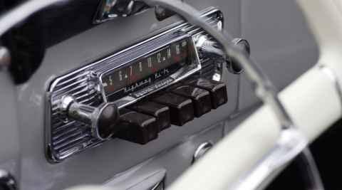Radio in einem Oldtimer