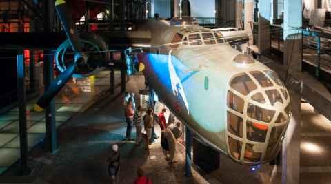 Liberator-Bomber im Museum des Warschauer Aufstandes